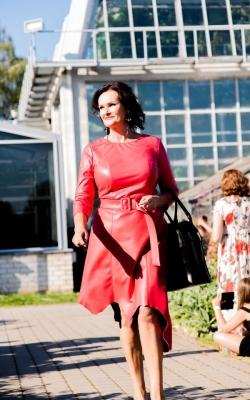 """""""Daiva Art"""" raudona natūralios odos suknelė"""