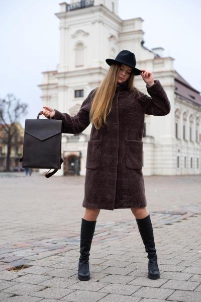 Minimalistinė_ruda_natūralios_odos_kuprinė